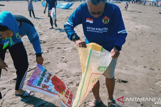 LDII Kota Makassar komitmen mengurangi sampah di laut