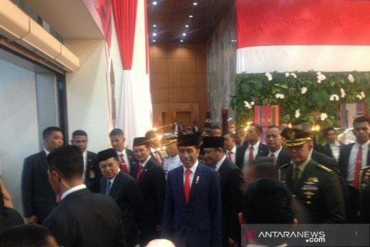 Jokowi-Ma'ruf bertemu JK bersama pimpinan MPR usai pelantikan Presiden