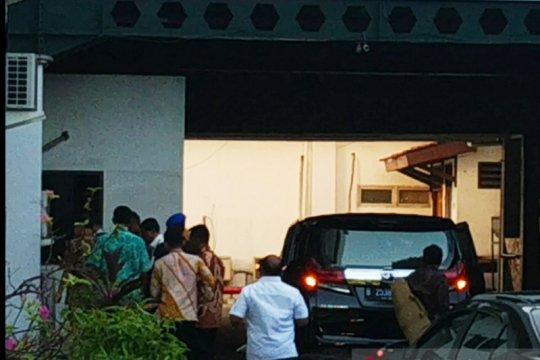 3,5 jam keluar, Wiranto kembali ke RSPAD