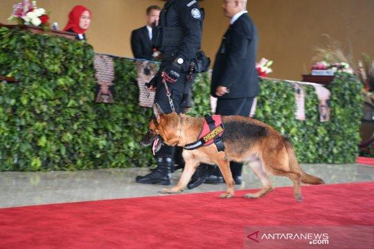 Jelang pelantikan presiden, Paspampres kerahkan anjing pelacak sterilisasi gedung parlemen