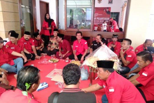 Ratusan kader PDIP Surabaya gelar tasyakuran pelantikan Jokowi-Ma'ruf