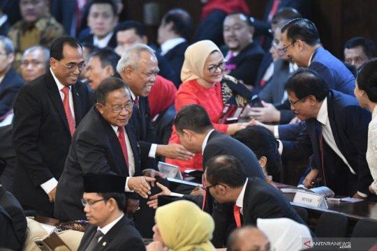 Jelang pelantikan presiden, menteri kabinet kerja tiba di gedung Nusantara