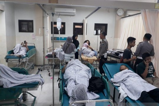 Bus rombongan siswa SMA Banyuwangi terguling di Lumajang