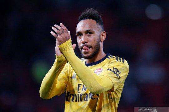 Pierre-Emerick Aubameyang yakin Arsenal bisa finis empat besar