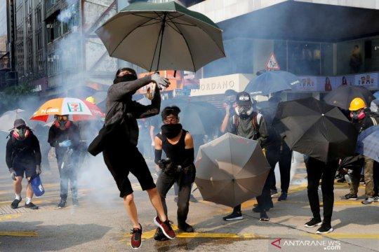 Demonstran Hong Kong dukung Uighur, bentrokan kembali pecah