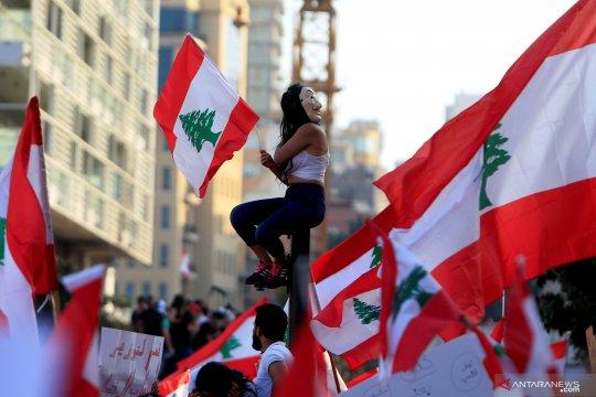 Warga Lebanon berdemo tolak pajak internet dan kenaikan pajak rokok & BBM