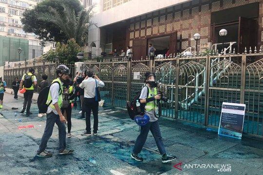 """Masjid Kowloon disemprot """"water canon"""", pemimpin Hong Kong minta maaf"""