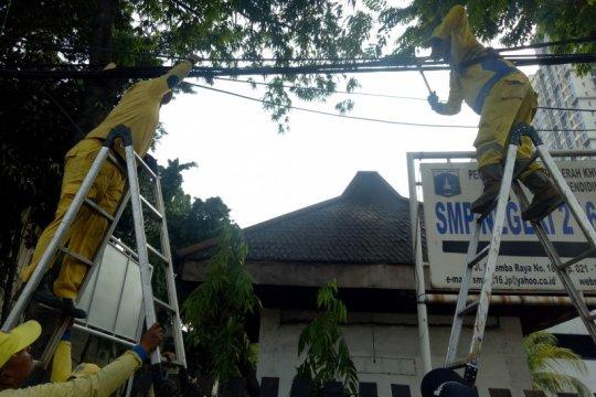 Bina Marga DKI tetap potong kabel semrawut