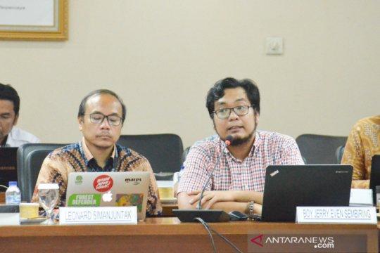 Greenpeace sarankan DPD kurangi penggunaan botol plastik