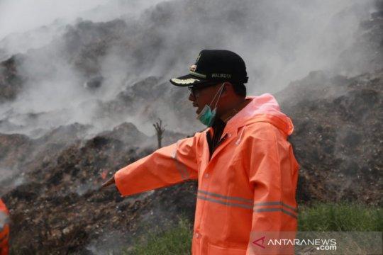 Pemkot Malang gunakan teknik injeksi padamkan api di TPA Supiturang