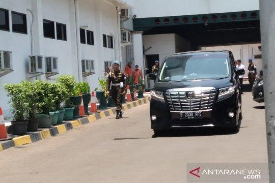 Wiranto bersama istri tinggalkan RSPAD