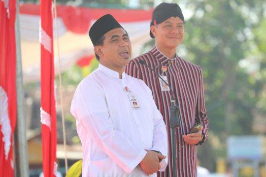 Ganjar persilakan Gus Yasin beri sambutan pada Hari Santri Nasional