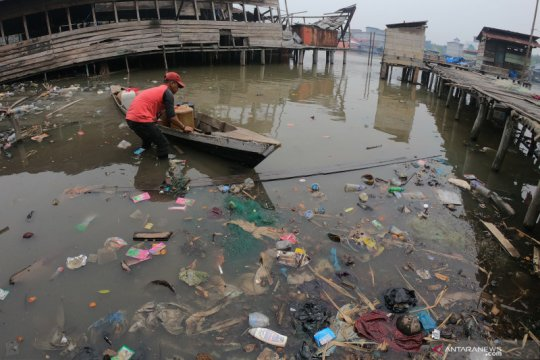 Ikatan pemulung protes kebijakan larangan botol dan kantong plastik