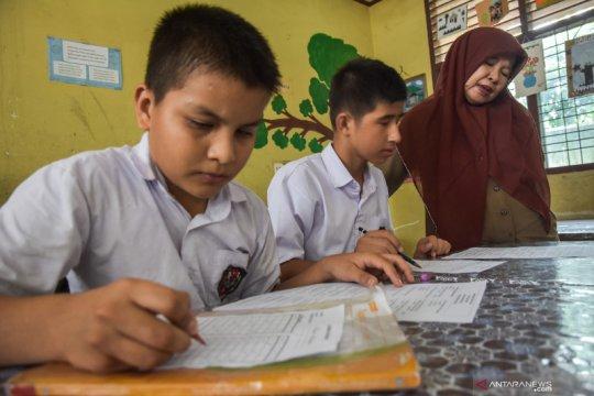 Anak pencari suaka ikuti ujian sekolah pertama kali