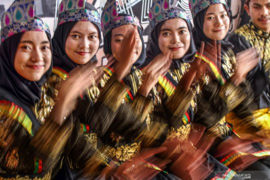 Jelang pementasan tari tradisonal Aceh pada Festival Indonesia di Perth