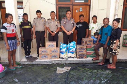 Polres Tomohon beri bantuan korban kebakaran asrama mahasiswa Papua