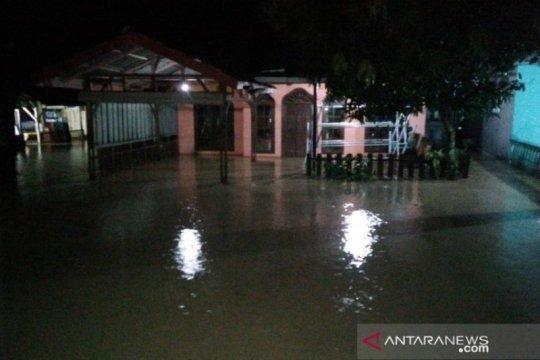 Banjir landa sejumlah desa di Mandailing Natal
