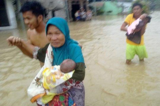 Akibat banjir, ratusan warga Pulau Simeulue masih mengungsi