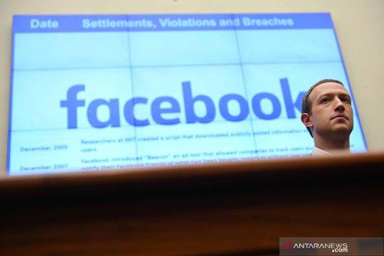 Facebook blokir akun medsos Trump, juga Instagram