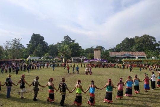 Ratusan penari Dayak meriahkan Festival Budaya Kayaan Mendalam