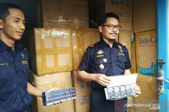 Pengiriman 1,76 juta batang rokok ilegal digagalkan Bea Cukai Jambi