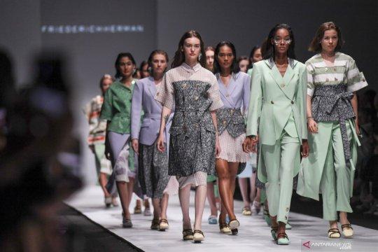 Hari ini, Jakarta Fashion Week hingga festival film