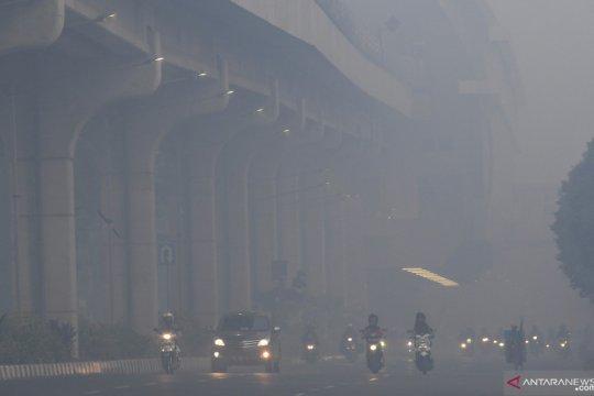 Kabut asap kembali selimuti kota Palembang