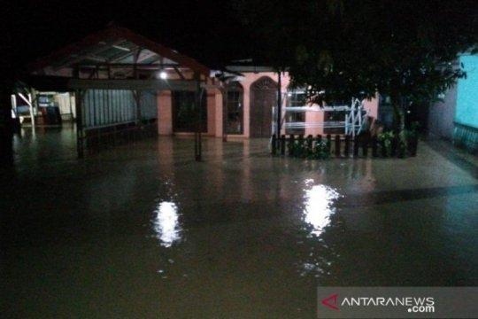 Ratusan rumah terdampak banjir di Mandailing Natal