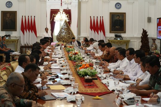 Kabinet Indonesia Maju sidang paripurna perdana dengan Presiden