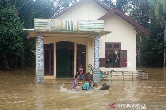 Warga terdampak banjir di Aceh Barat capai 1.067 jiwa