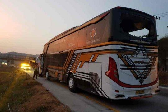 Tiga meninggal, bus rombongan pelajar Batang kecelakaan di Cipali