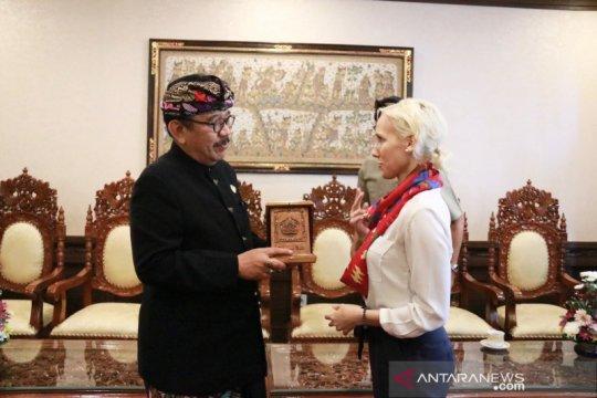 Wagub Bali ajak Pemerintah Hungaria kerja sama pengelolaan sampah