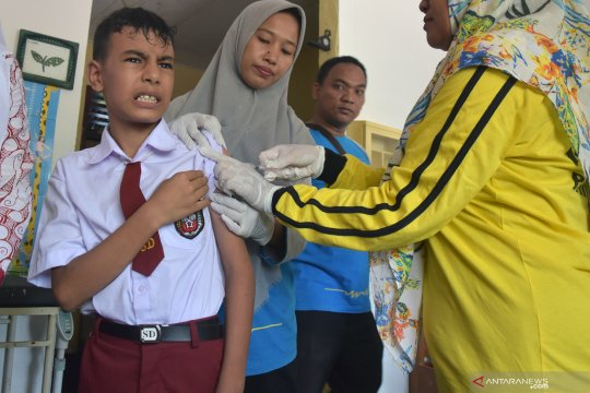 Anak pencari suaka ikut imunisasi MR