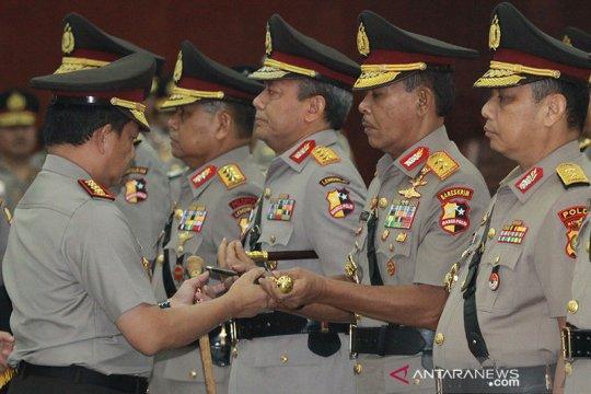 Calon Kapolri Komjen Idham bersamaTito lumpuhkan dalang Bom Bali