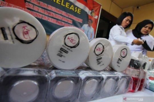 Polda Jatim bongkar peredaran kosmetik ilegal beromzet miliaran rupiah