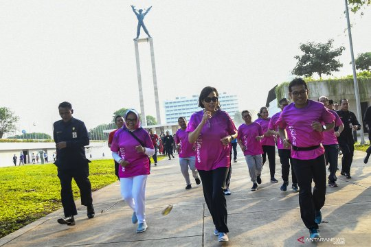 Lomba lari memperingati Hari Oeang ke-73