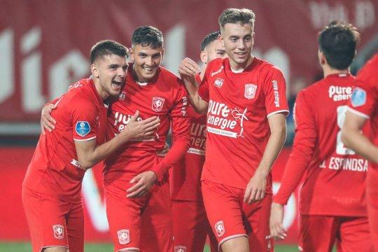 Twente ambil alih puncak klasemen usai pecundangi Willem II 3-0