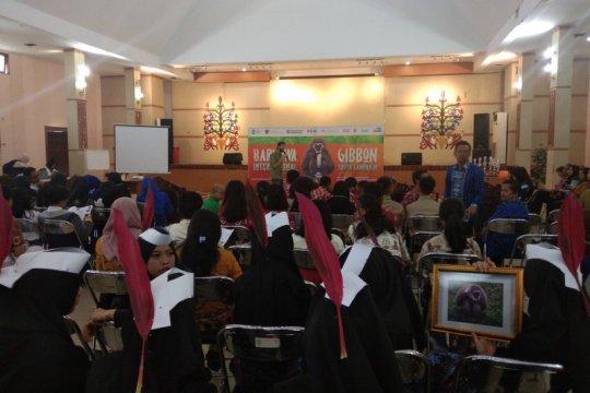 Pelajar SLTA Kalteng diberikan pendidikan pelestarian owa-owa