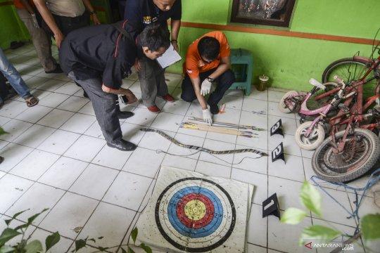 Penggeledahan rumah terduga teroris di Bekasi