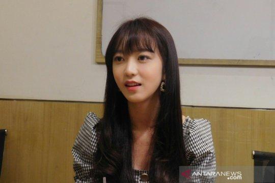 """Kim So-hee """"Produce 101"""" kaget dengan cuaca di Indonesia"""