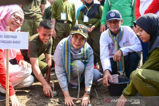 Jaga lingkungan dan mitigasi, 1 juta mangrove ditanam di Lombok Barat
