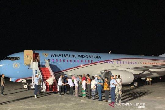 Presiden Jokowi mendarat di Kota Ambon