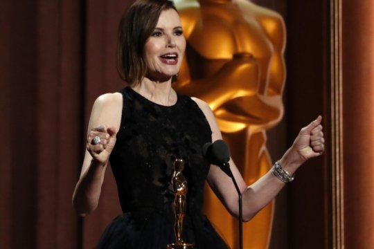 Perangi bias gender, Geena Davis terima Piala Kehormatan Oscar