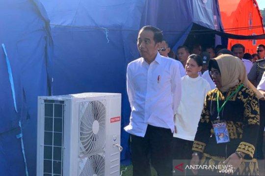 Presiden disambut antusias saat tinjau Posko Pengungsi di Ambon