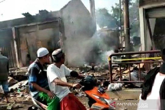 Polres Bangkalan datangkan tim Labfor ke Pasar Tanah Merah