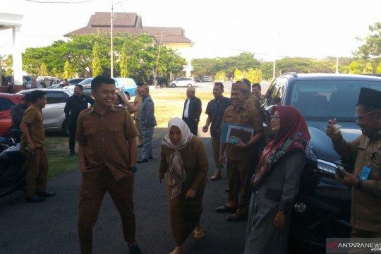 Anggota DPRD Gorontalo Utara berhamburan keluar gedung akibat gempa