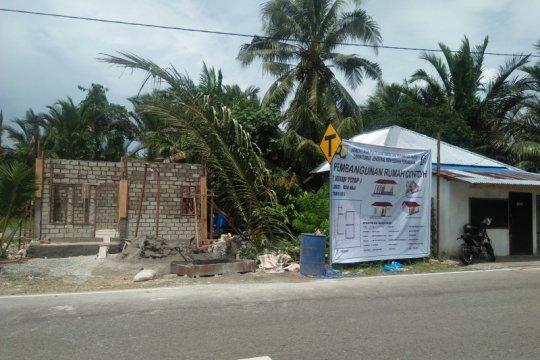 Rumah tahan gempa dibangun warga Morela di Desa Waai-Maluku Tengah