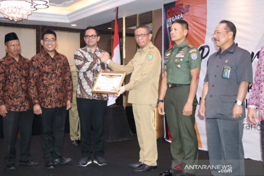 Sutarmidji beri penghargaan kepada TNI/Polri atas keberhasilan Pemilu