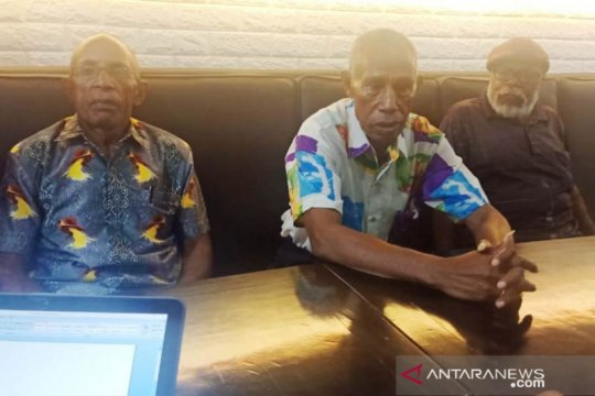 Dewan Adat Yapen dukung Jhon Banua Rouw pimpin DPRP