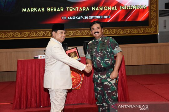 Menhan kunjungi Mabes TNI